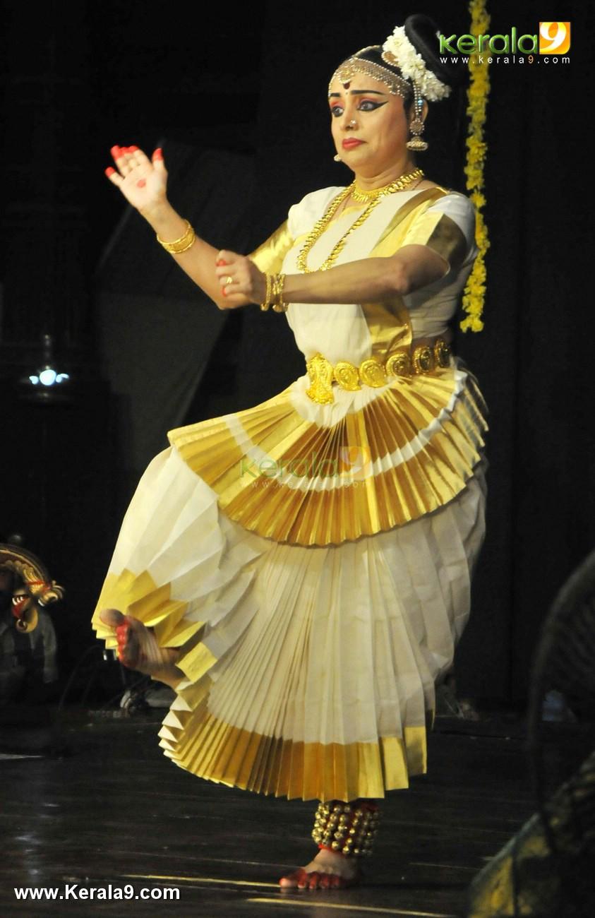mohiniyattam dance performance photos 0923 004