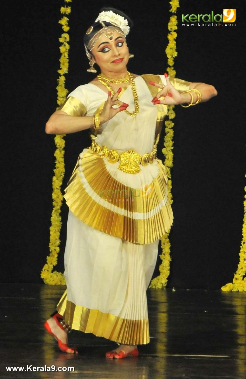 mohiniyattam dance performance photos 0923 017