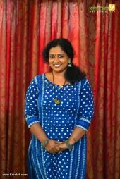 manju sunil at munthirivallikal thalirkkumbol 101 days celebration photos 009