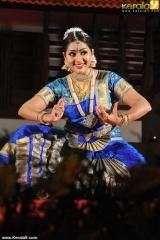 navya nair dance performance at nishagandhi festival 2014 pictures 00