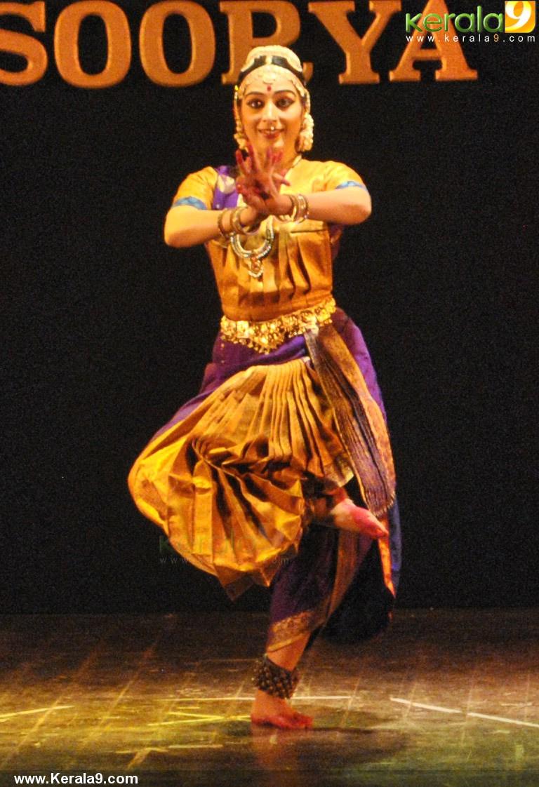 padmapriya and jayalakshmi easwar dance at soorya dance and music festival 2016 pics 456 011