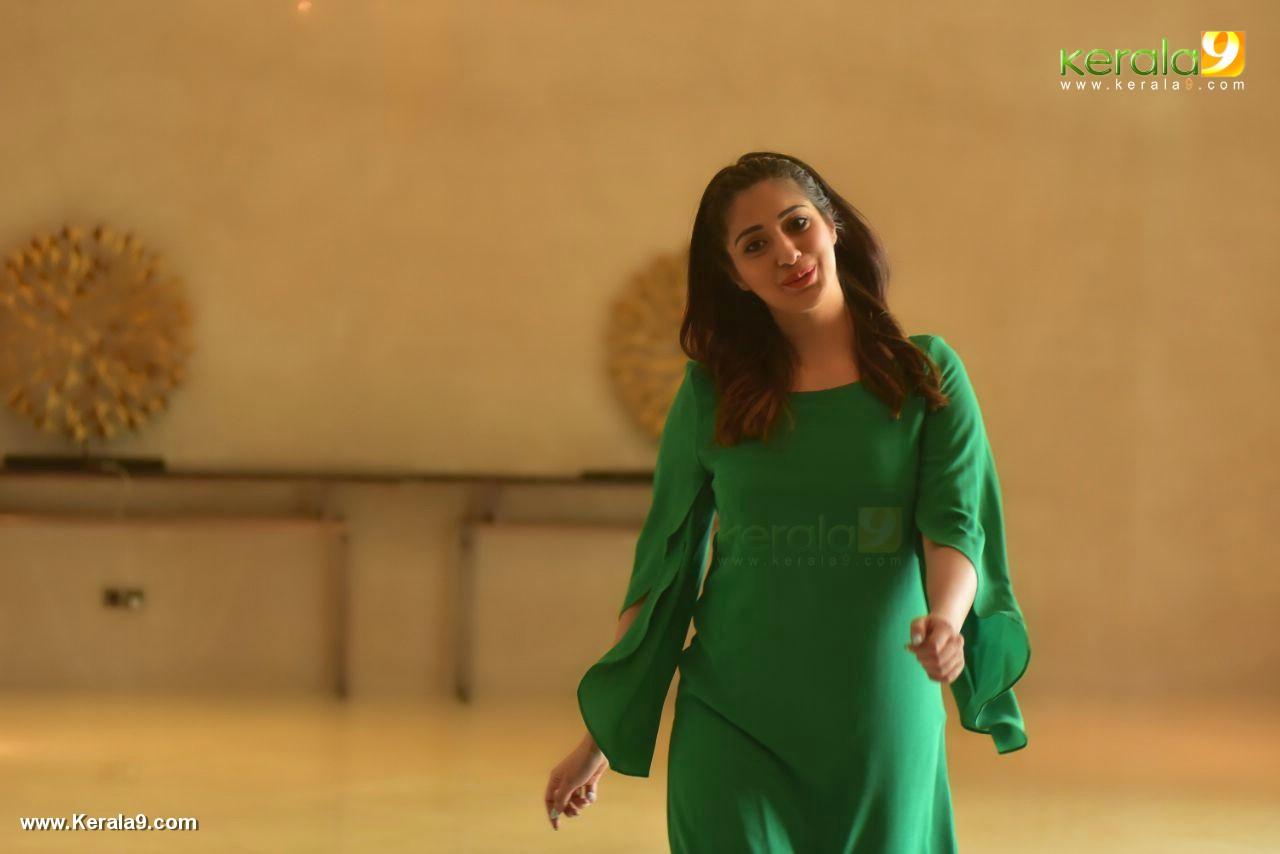 raai laxmi at julie 2 movie press meet in kerala pics 222 001