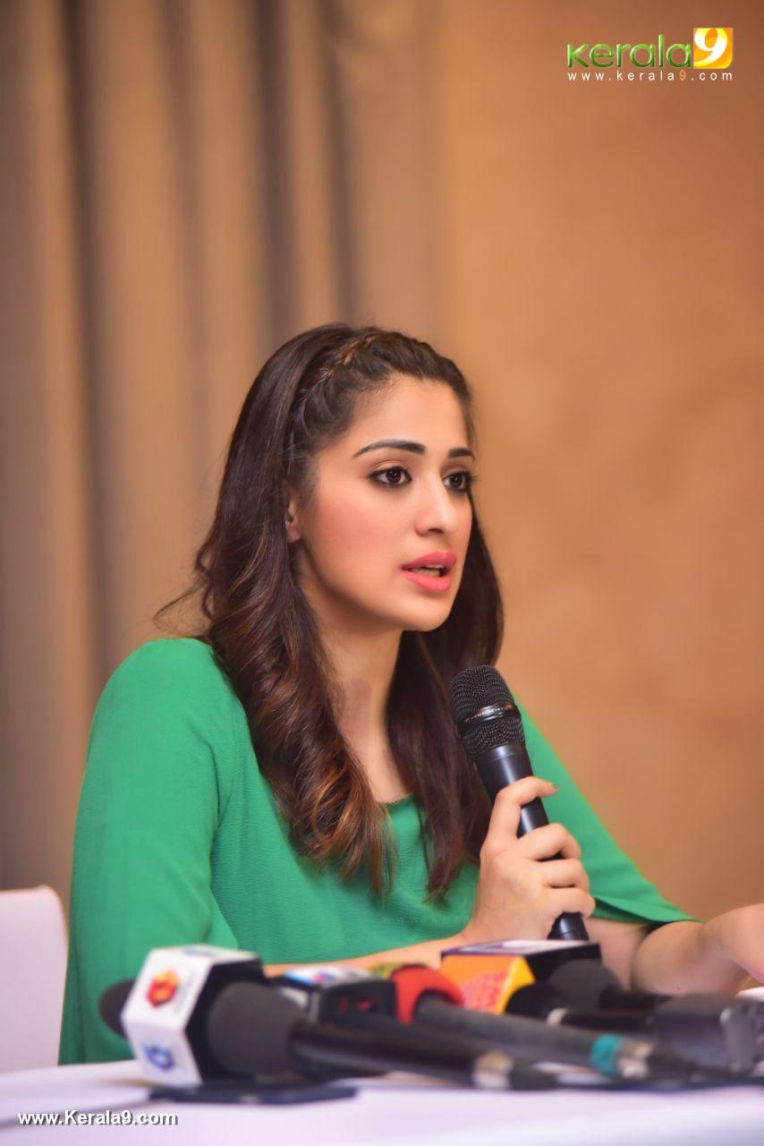 raai laxmi at julie 2 movie press meet in kerala stills 444 00