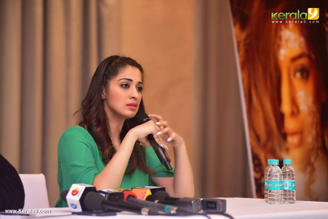 raai laxmi at julie 2 movie press meet in kerala stills 444