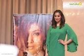 laxmi raai at julie 2 movie press meet in kerala photos 10