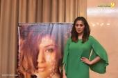 laxmi raai at julie 2 movie press meet in kerala photos 102 002