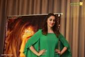 raai laxmi at julie 2 movie press meet in kerala pics 222 00