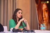 raai laxmi at julie 2 movie press meet in kerala stills 444 001