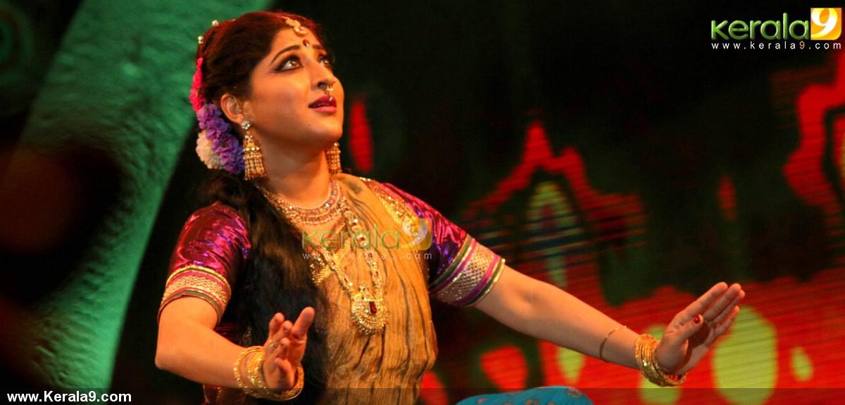 Lakshmi Gopalaswami: Lakshmi Gopalaswamy Dance At Raveendra Sangeetha Sandhya