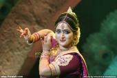 kavya madhavan dance at raveendra sangeetha sandhya 2014 photos
