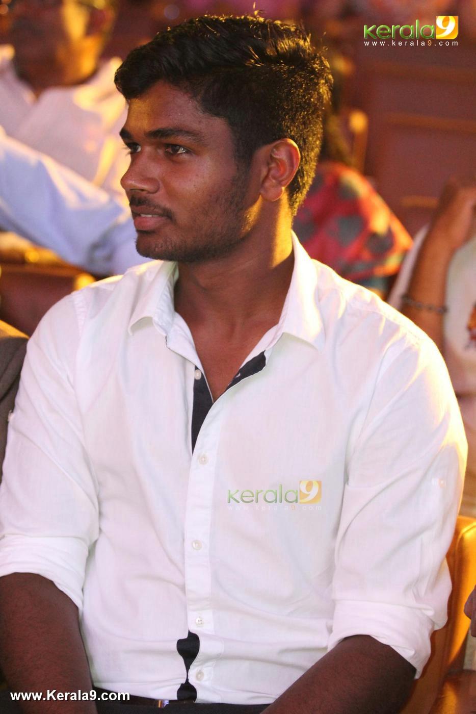 sanju v samson at speak for kerala grand finale photos 065 010