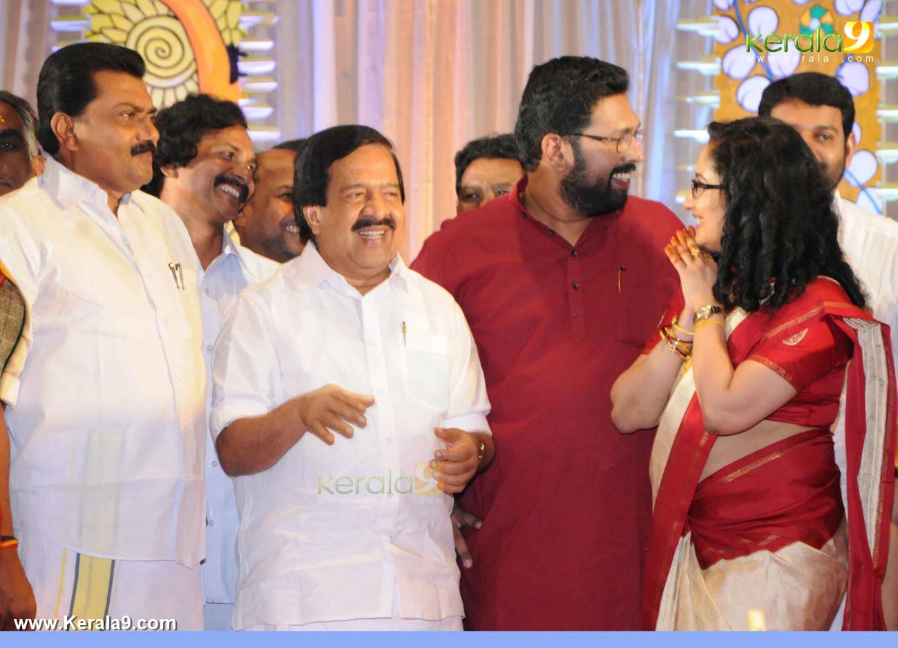 ramesh chennithala at sabarinathan mla wedding photos 008