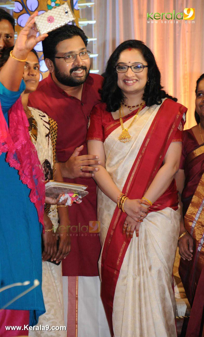 sabarinath mla divya iyer marriage photos  003