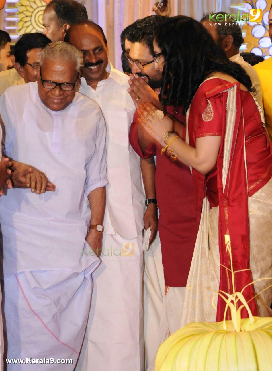 sabarinath mla divya iyer marriage photos  016