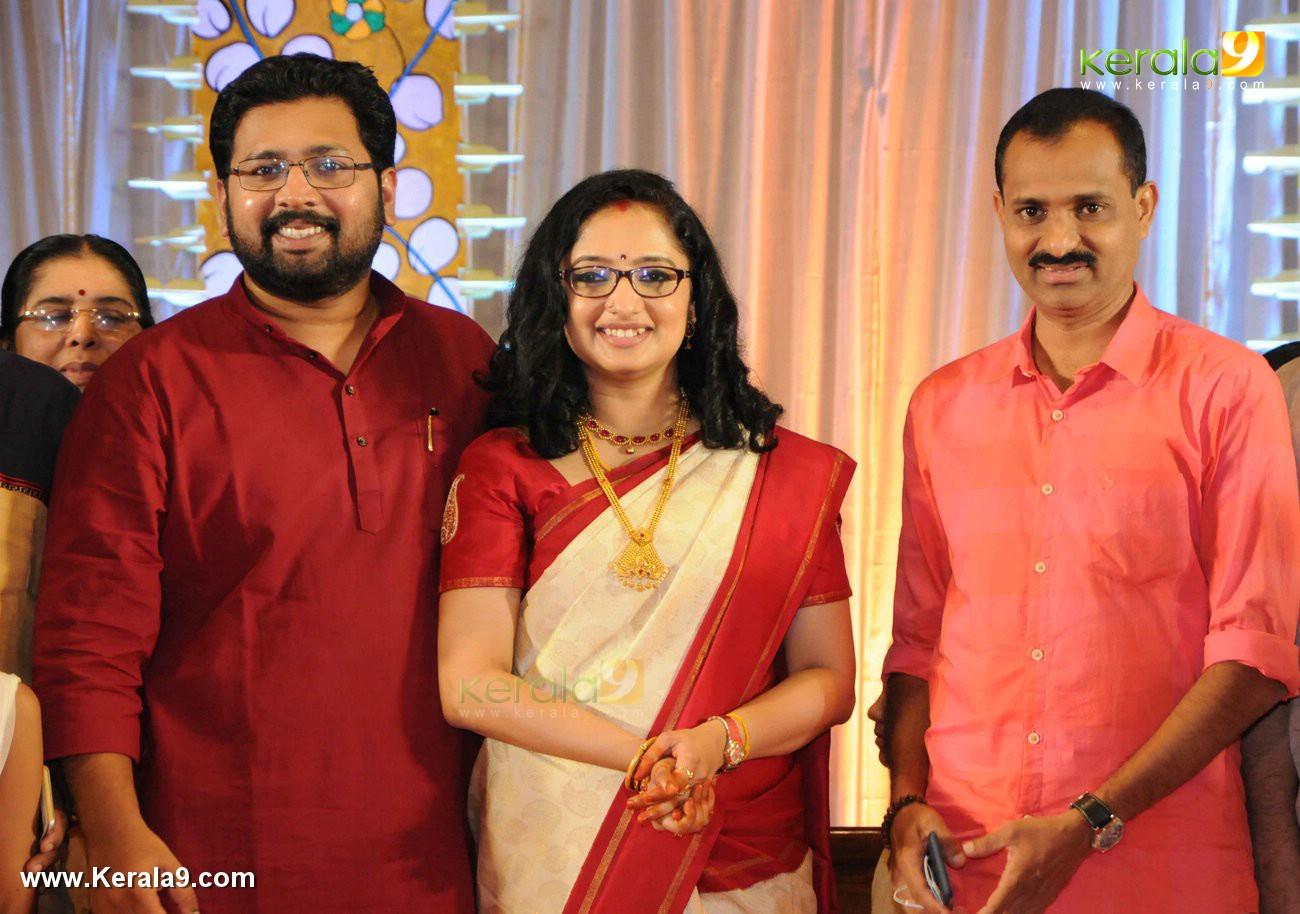 sabarinathan mla divya iyer marriage photos  077
