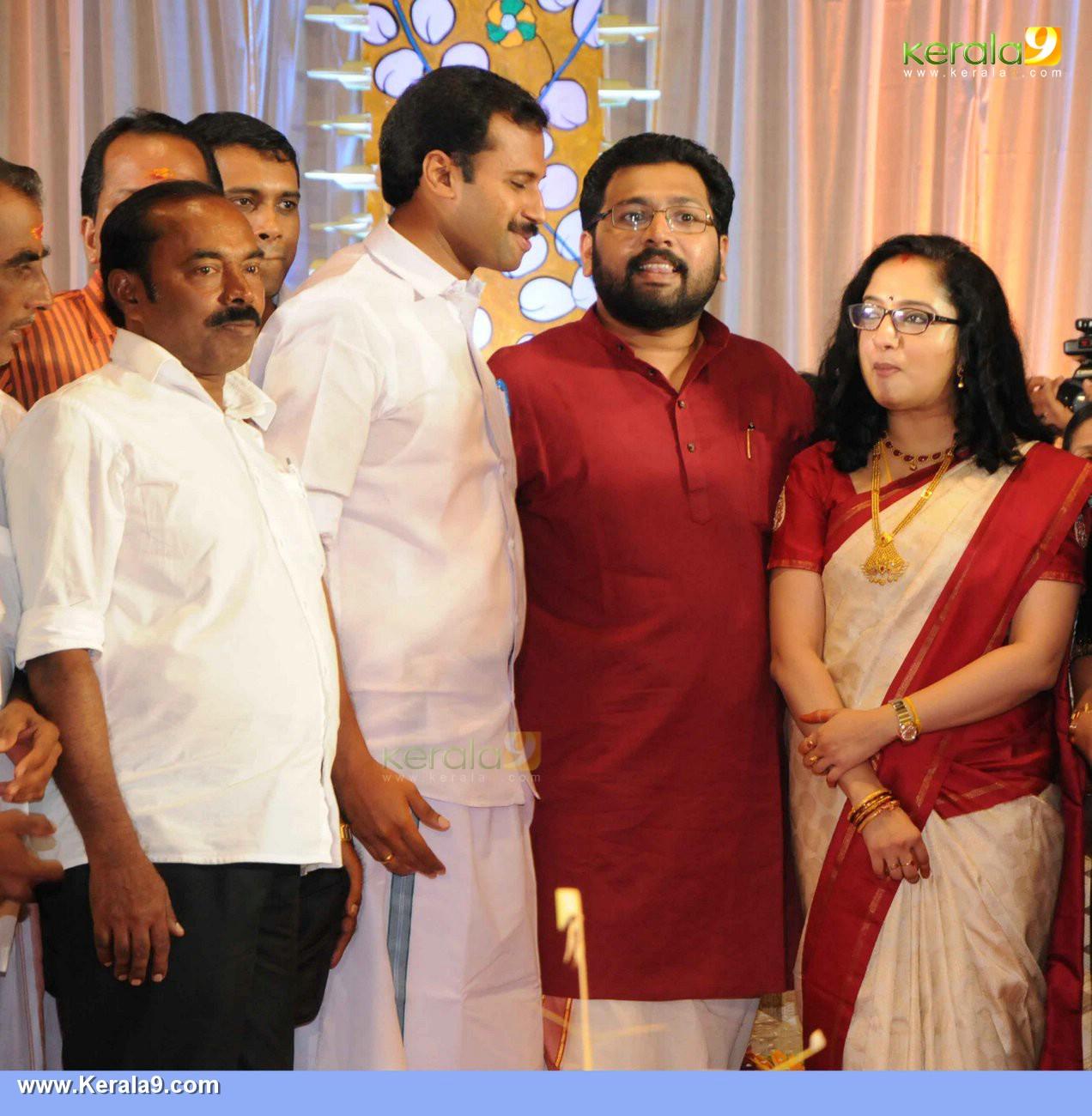 sabarinathan mla divya wedding photos 021