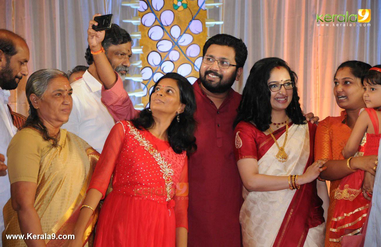 sabarinathan mla divya wedding photos 025