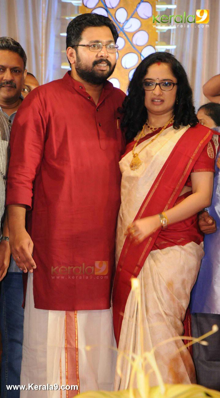 sabarinathan mla marriage photos 01
