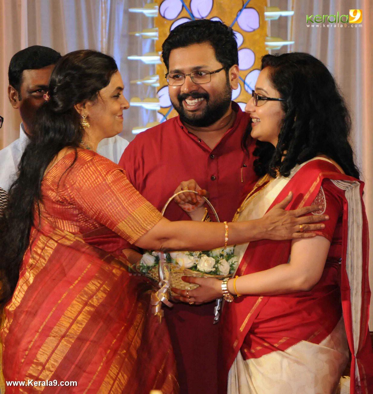 sabarinathan mla marriage photos 032