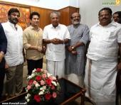 sachin tendulkar visit chief minister pinarayi vijayan photos 100 016