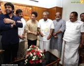 sachin tendulkar visit chief minister pinarayi vijayan photos 100 017