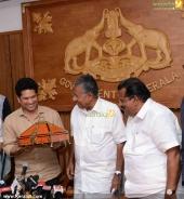 sachin tendulkar visit chief minister pinarayi vijayan photos 100 026