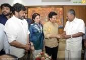 sachin tendulkar visit chief minister pinarayi vijayan stills 618 00