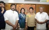 sachin tendulkar visit chief minister pinarayi vijayan stills 618