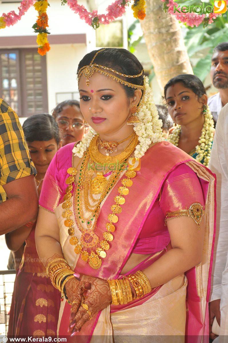 Saranya Sasi Wedding Photos 02747 Kerala9 Com