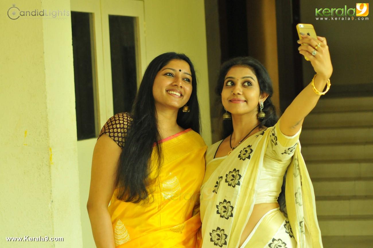 Sunny Leone HD Wallpapers Sunny Leone s Photo Full Size Amrita singh saif ali khan wedding photos