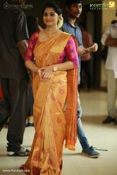actress sarayu mohan wedding photos  02