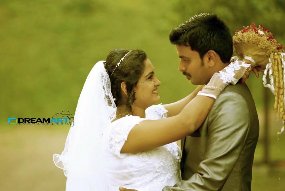 Actress Sini Varghese Marriage Photos 02 00620