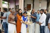 srinda arhaan at sherlock toms malayalam movie pooja photos 009 002