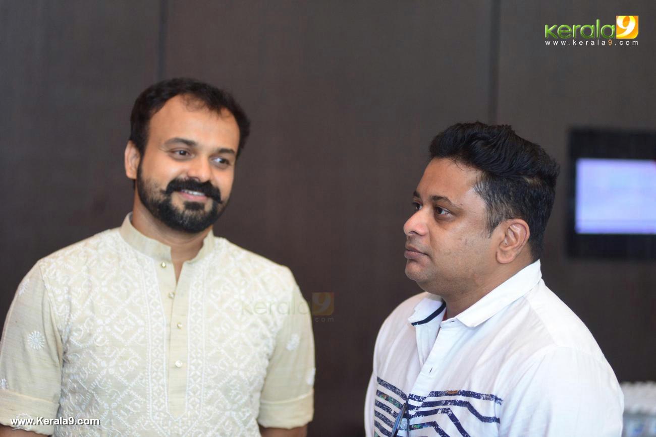 prasanna sujit at shikari shambu malayalam movie pooja photos 117 00