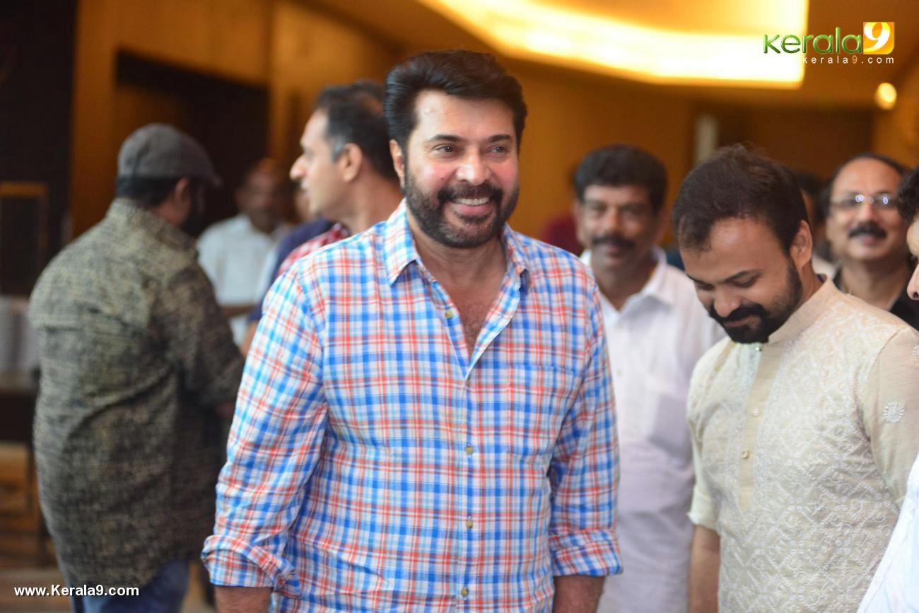 shikari shambu malayalam movie pooja photos 111 080
