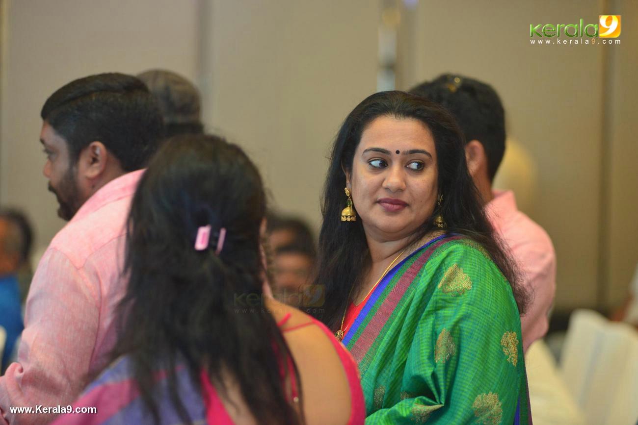 shikari shambu malayalam movie pooja stills 333 002