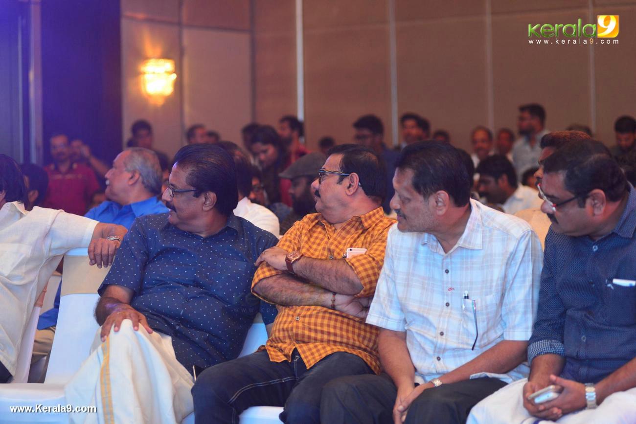 shikari shambu malayalam movie pooja stills 333 010