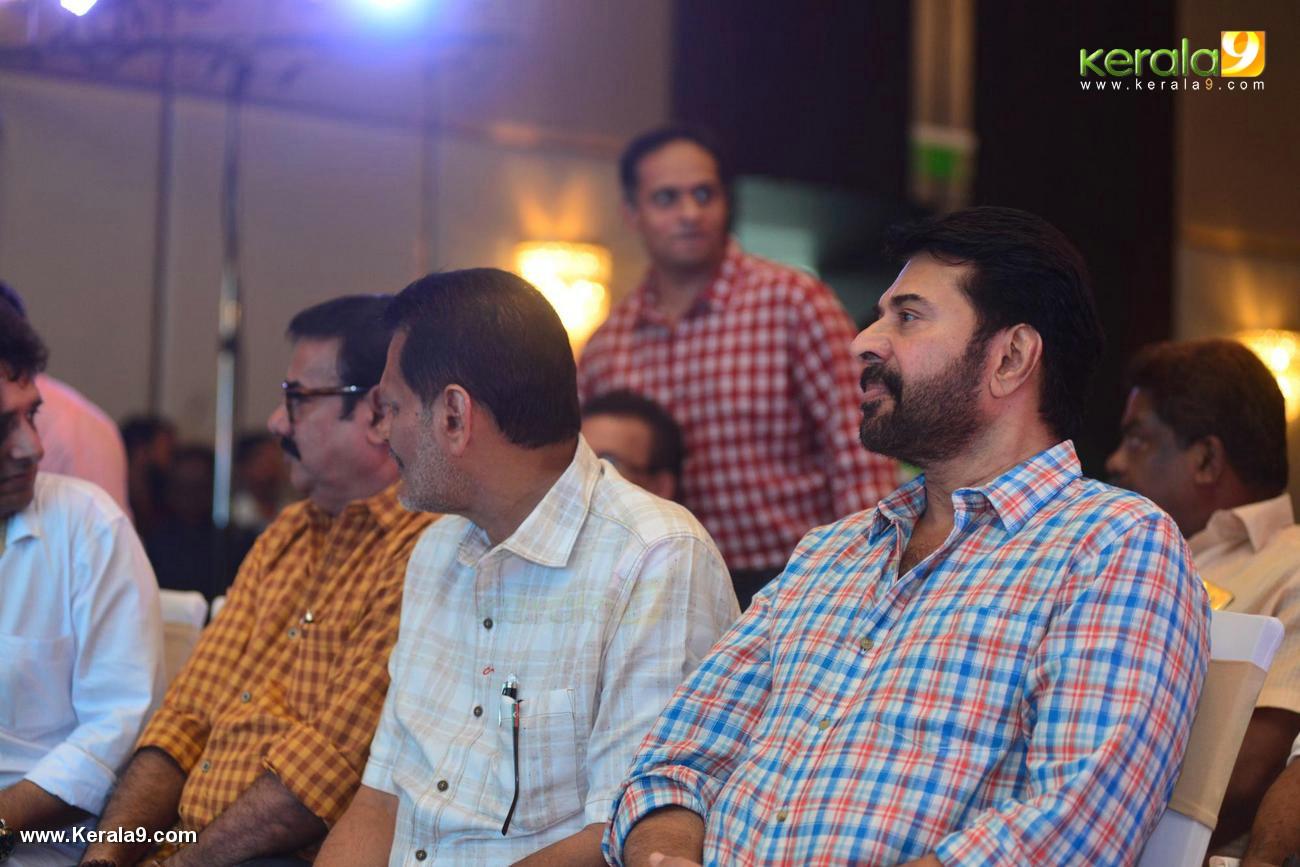 shikari shambu malayalam movie pooja stills 333 013