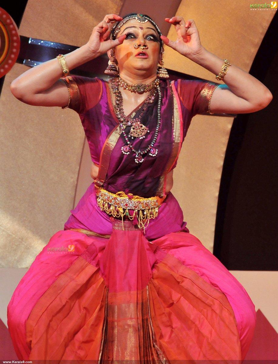 Shobana Dance Performance At Nishagandhi Auditorium Stills