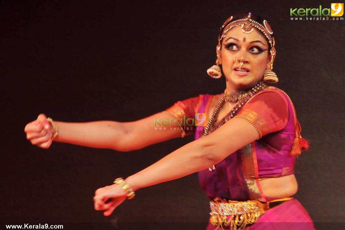 Shobana Dance Performance At Trivandrum Photos 00554