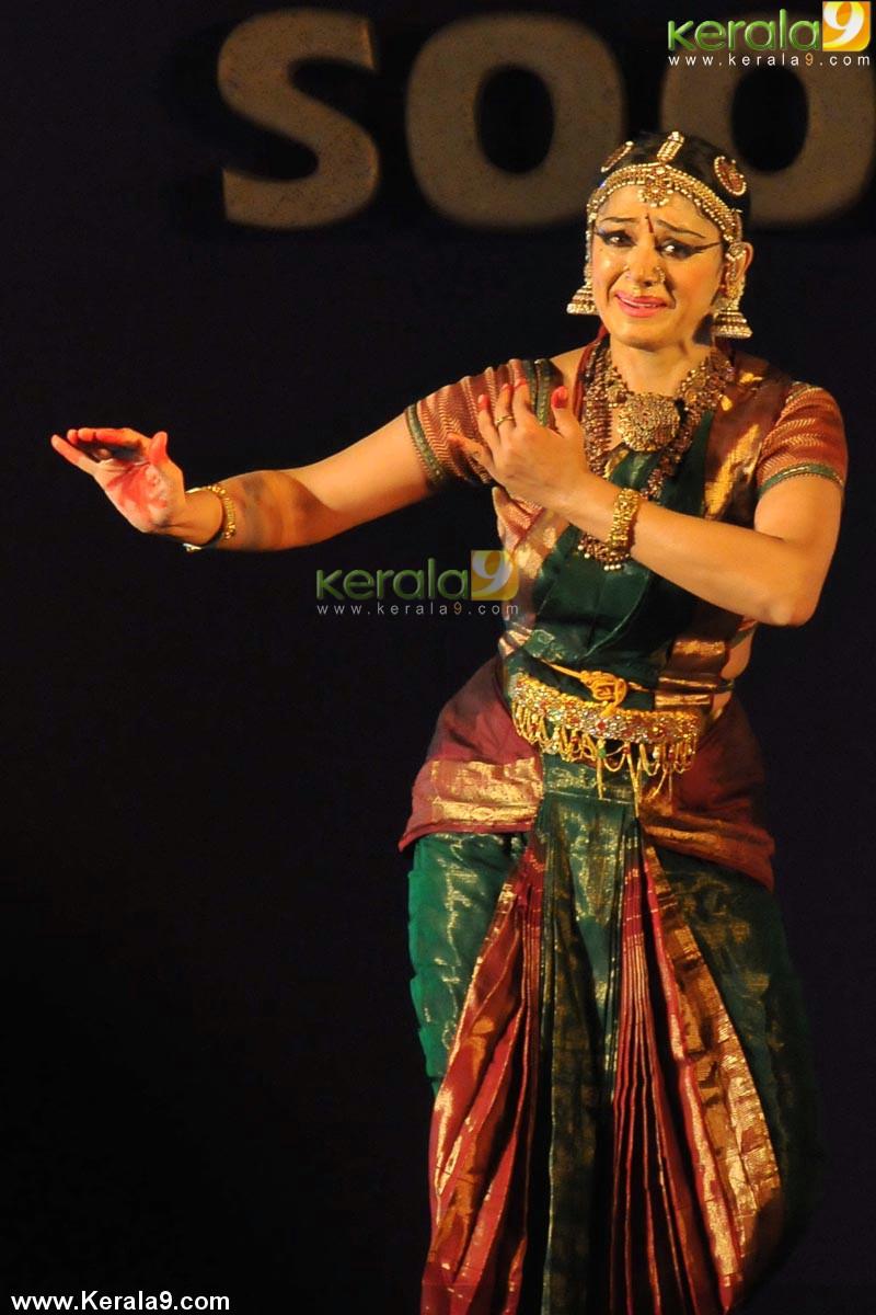 Shobana Bharatanatyam Dance Photos 00151 Kerala9 Com