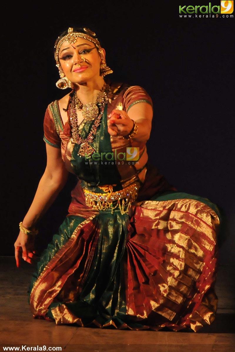 Shobana Bharatanatyam Dance Photos 0042