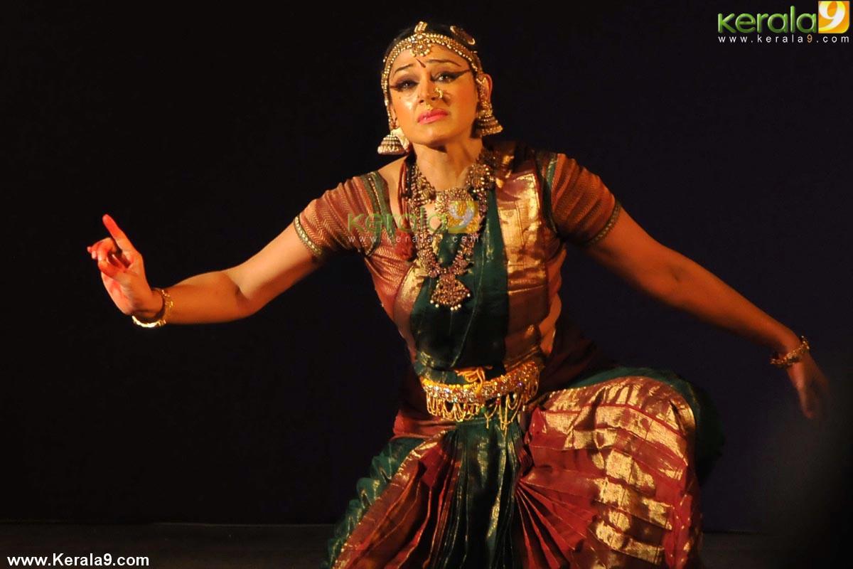 Shobana bharatanatyam dance photos 0051Bharatanatyam Shobana