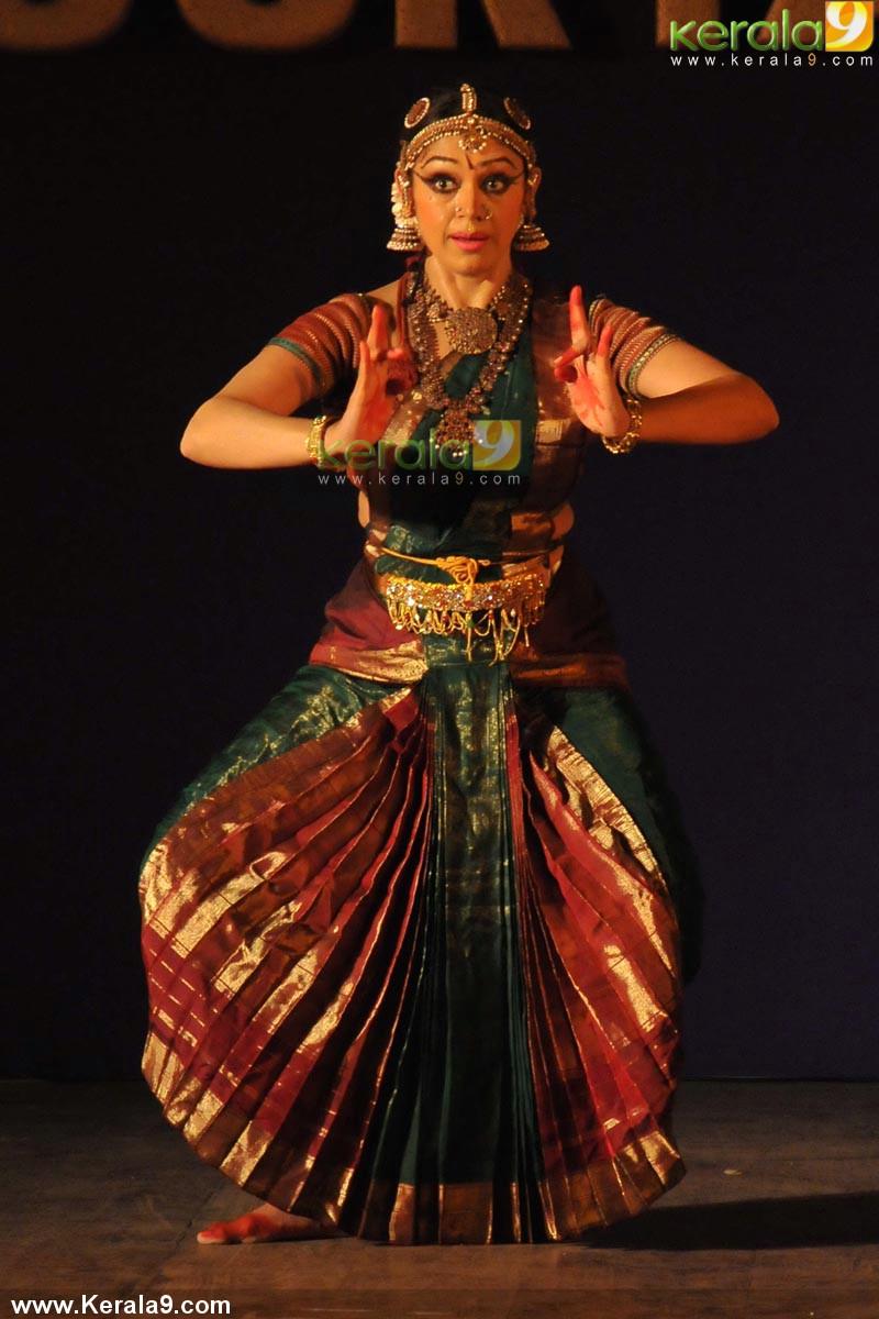 Shobana Dance Performance At Soorya Dance Festival 2014
