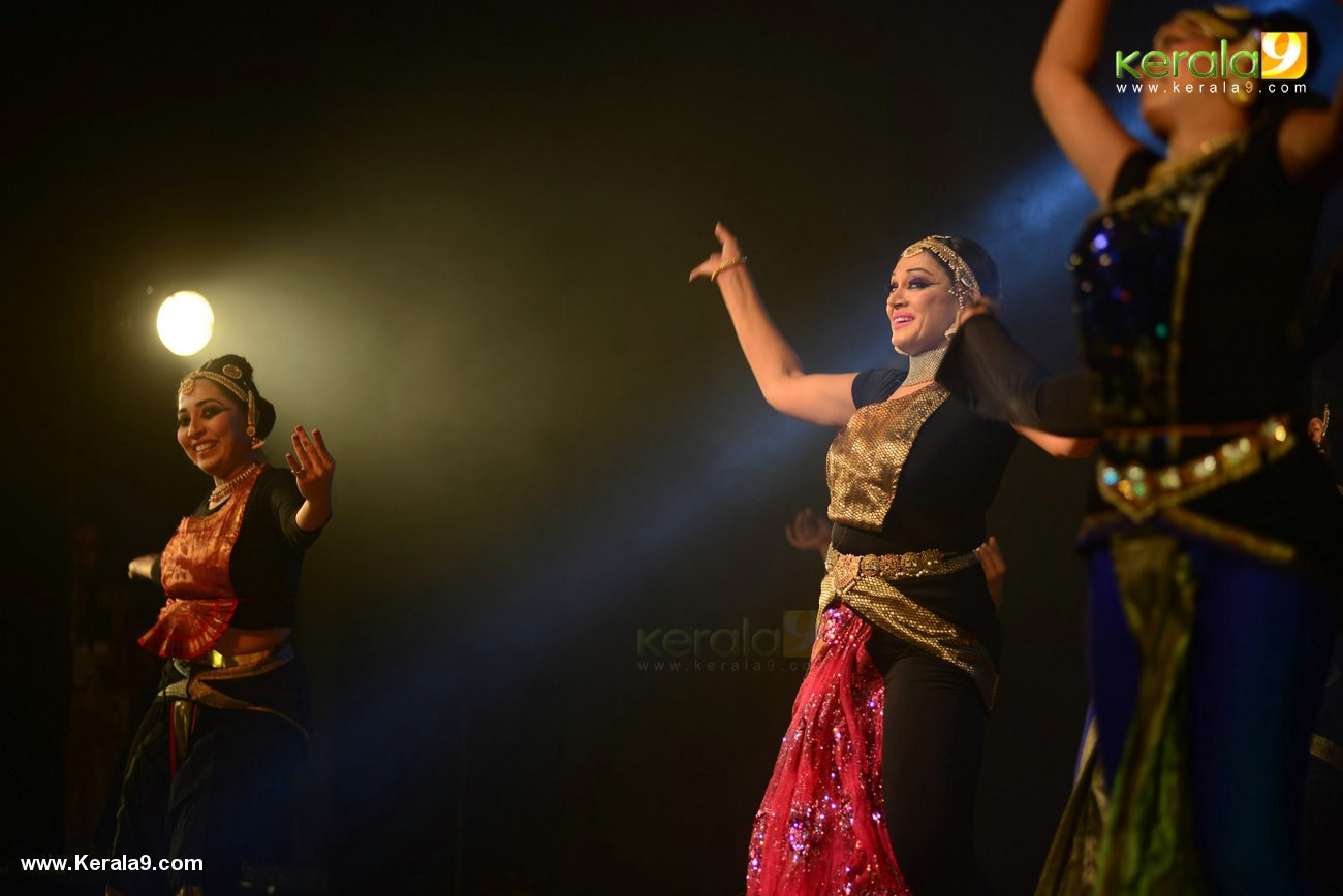 shobana trance dance performance at kochi stills 009 018