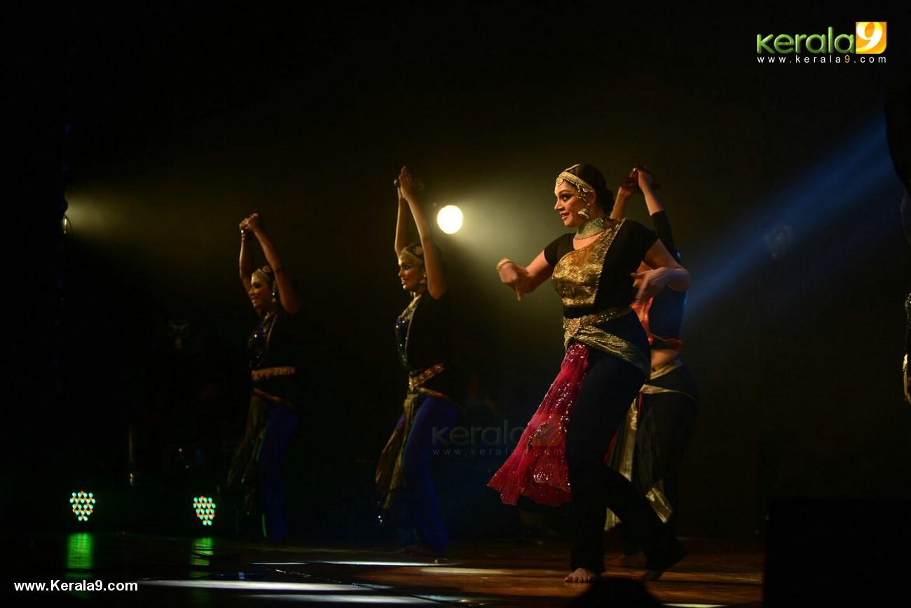 shobana trance dance performance at kochi stills 009 024
