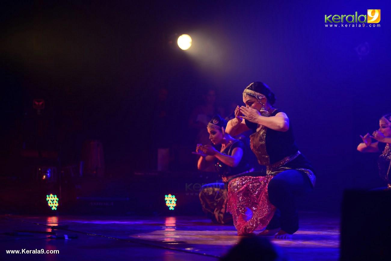 shobana trance dance performance at kochi stills 009 026