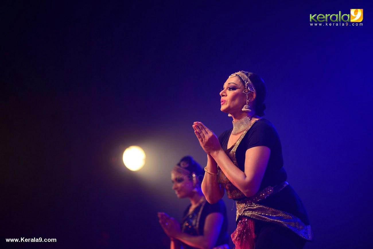 shobana trance dance performance at kochi stills 009 029