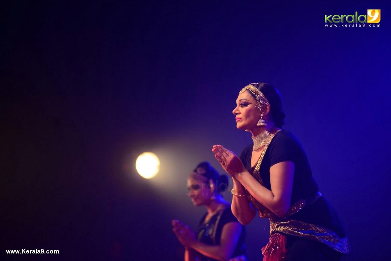 shobana trance dance performance at kochi stills 009 030