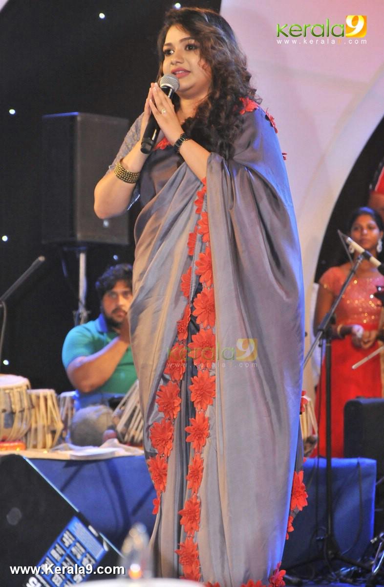 rimi tomy in sneha sangeetham music festival 2016 photos 029 068